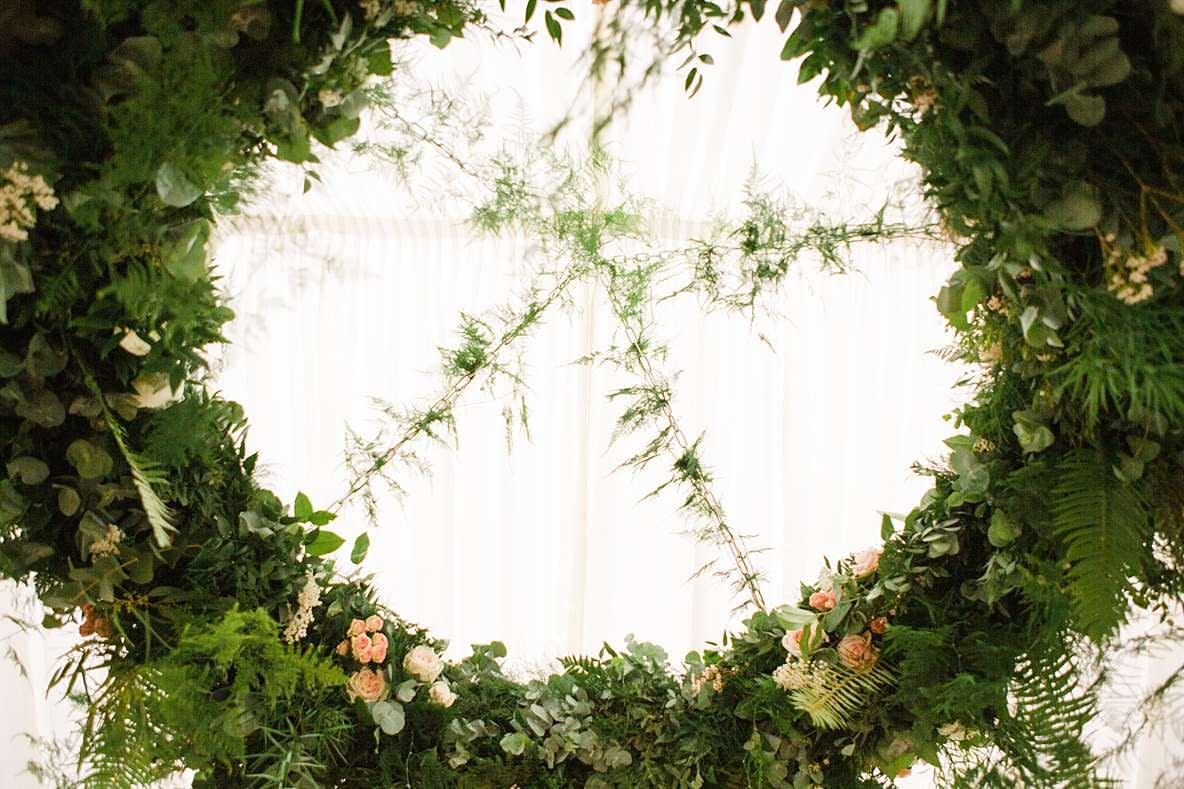 inside wreath gloucester photography