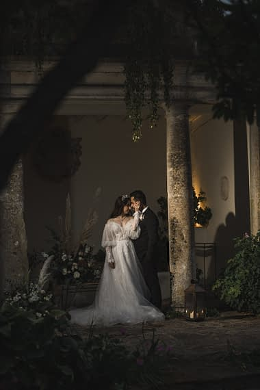 cotswold micro wedding barnsley house romantic photographer