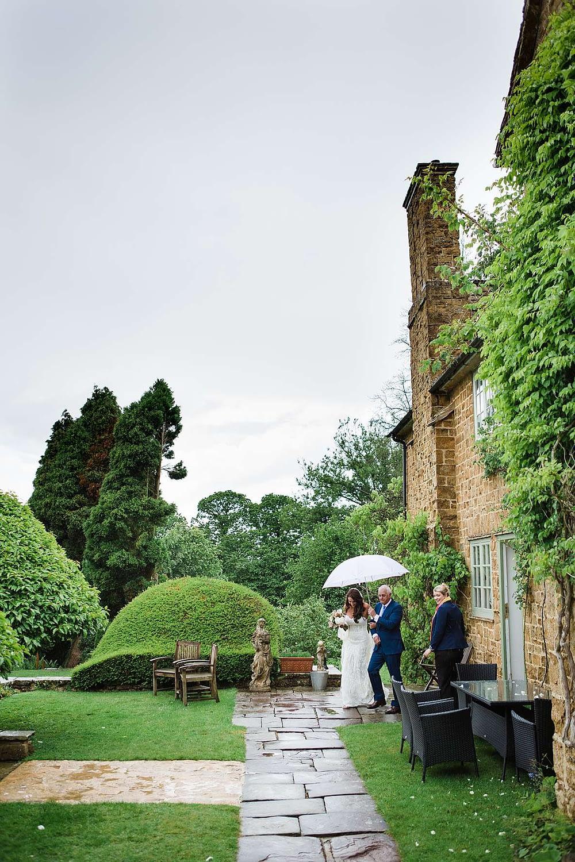 bride outdoor ceremony wedding photographer