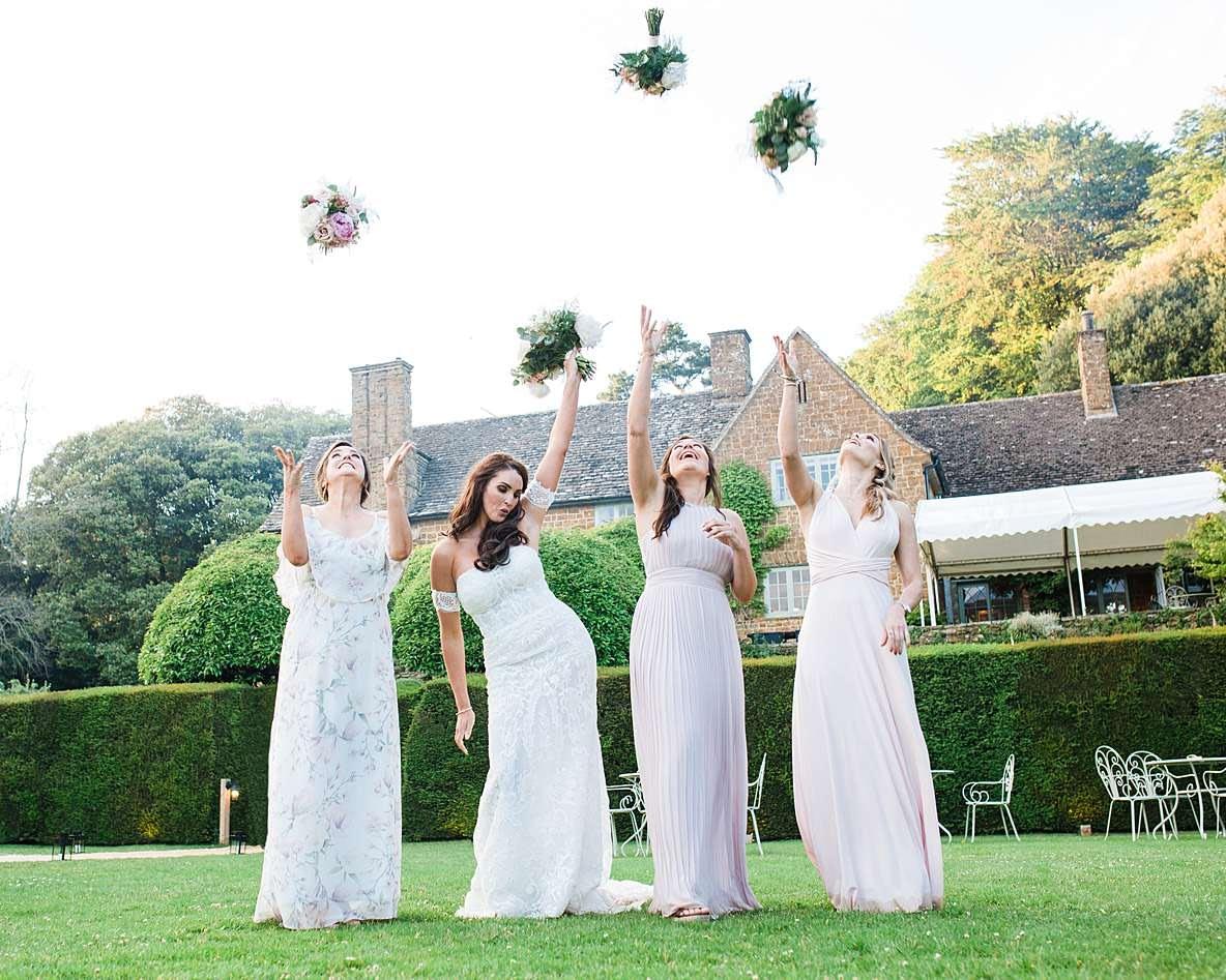 throwing bouquets cheltenham photographer