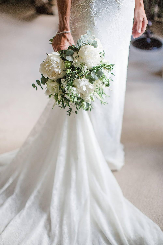 roseshed bouquet gloucestershire wedding photographers