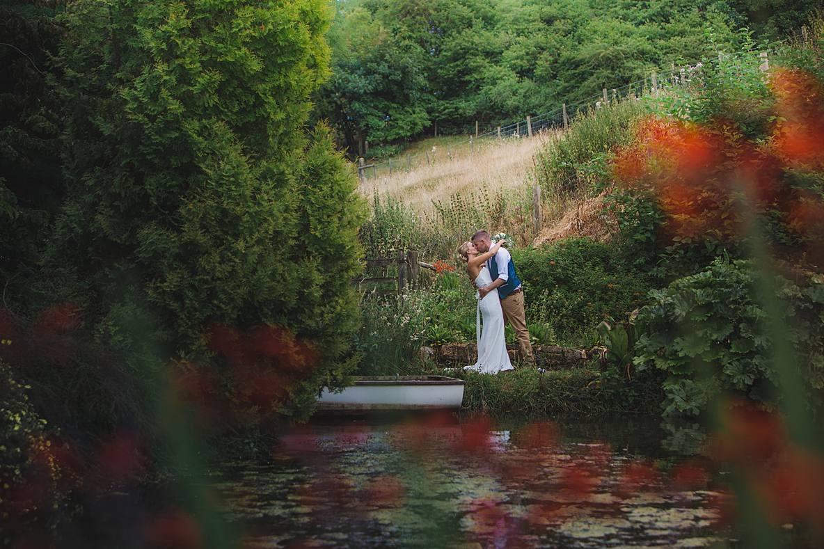 Gloucestershire wedding photography upcote barn bride