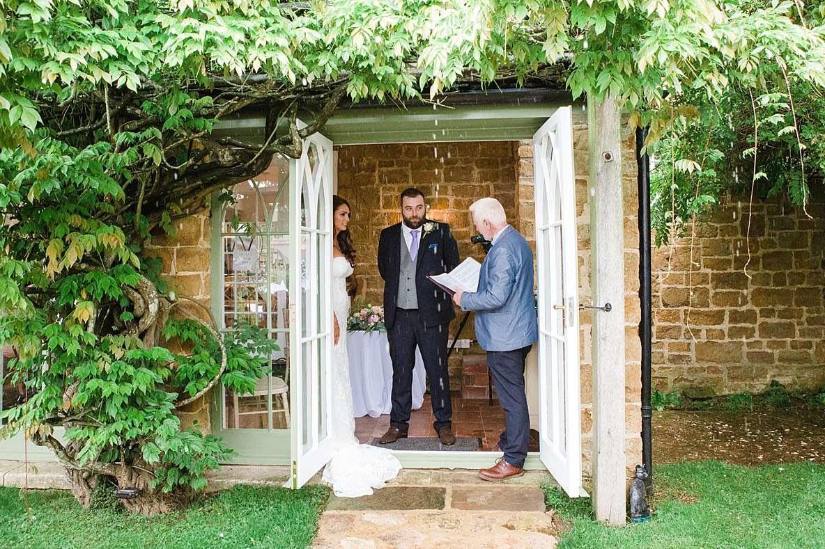 outdoor ceremony wedding photographer