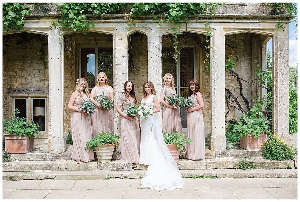 Barnsley house bridal party photographer