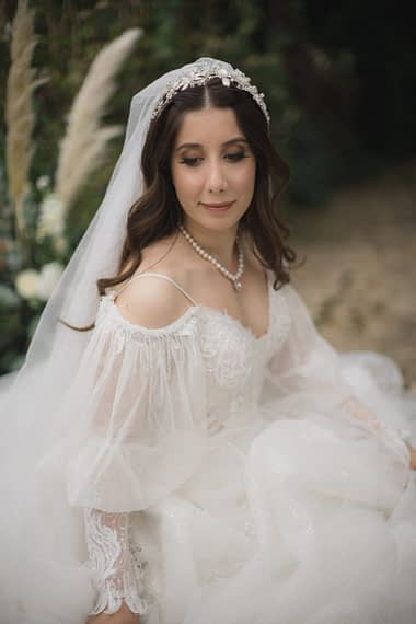 cotswold micro wedding barnsley house bridal portraits 2