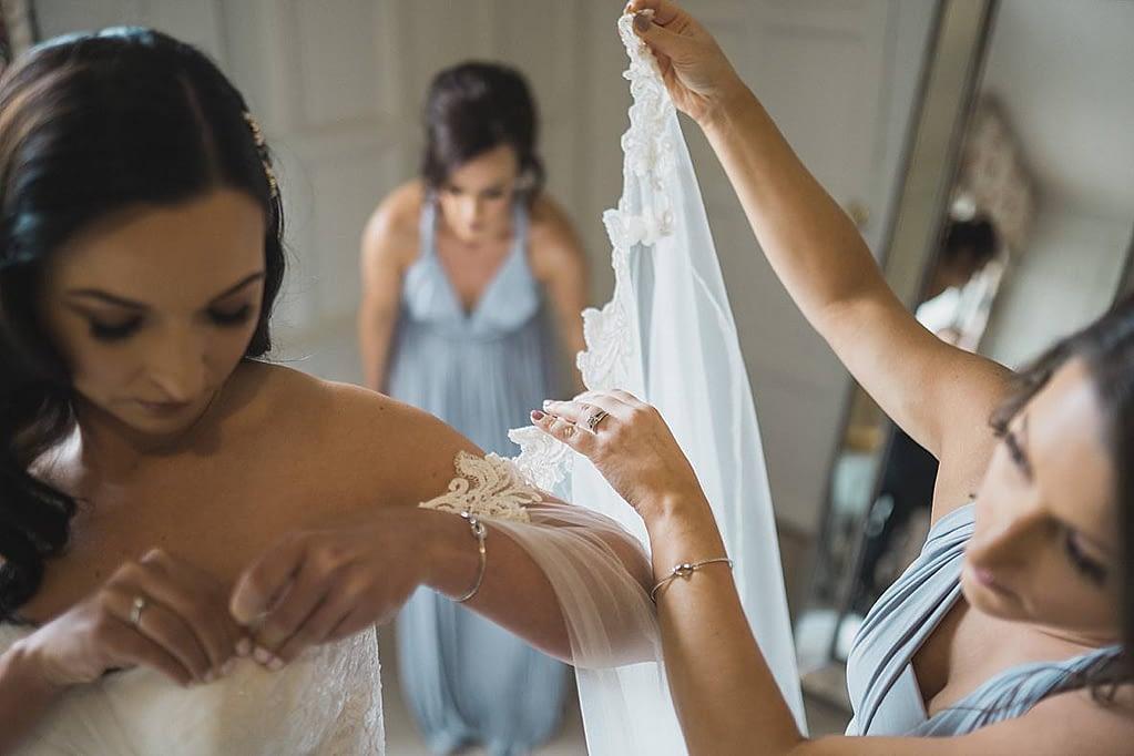 bride prep veil Elmore Court