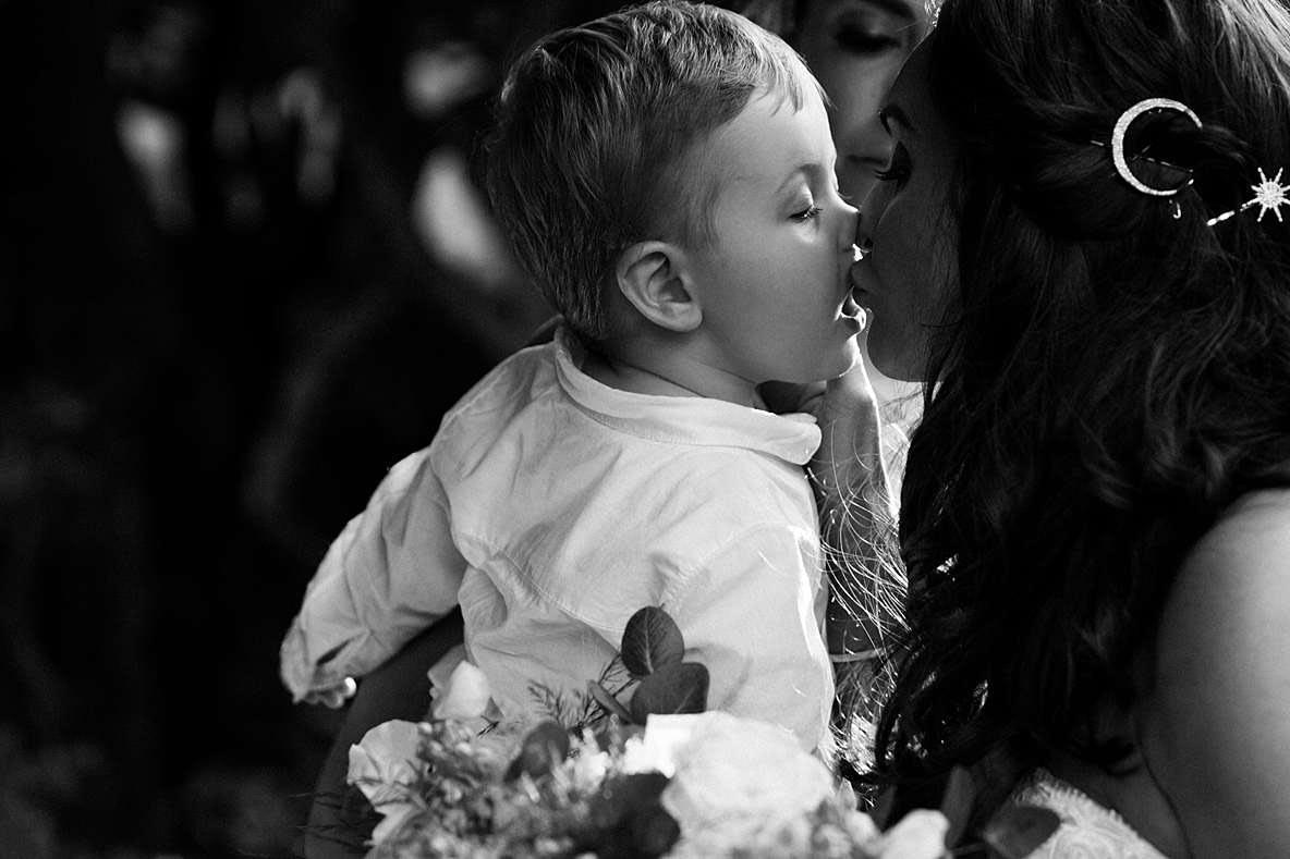 little kiss gloucestershire photographer