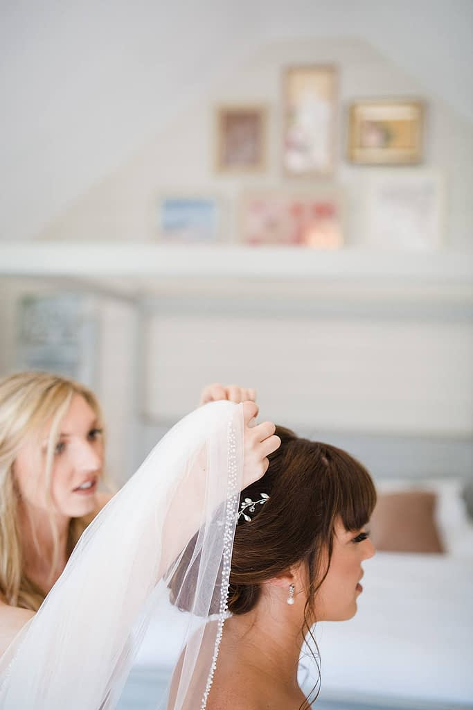 wedding photographer cheltenham frogmill