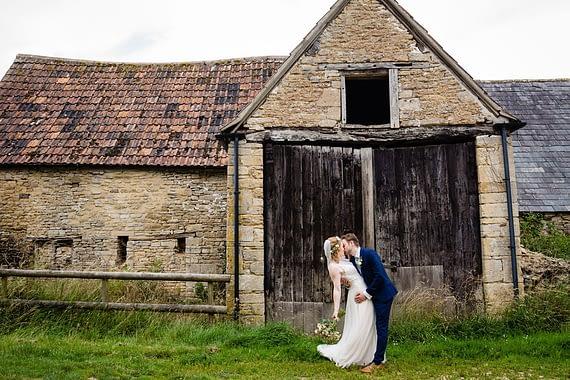 barn kiss covid micro wedding photographer